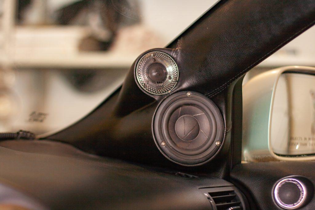 Lexus RX350 установка акустики Омск