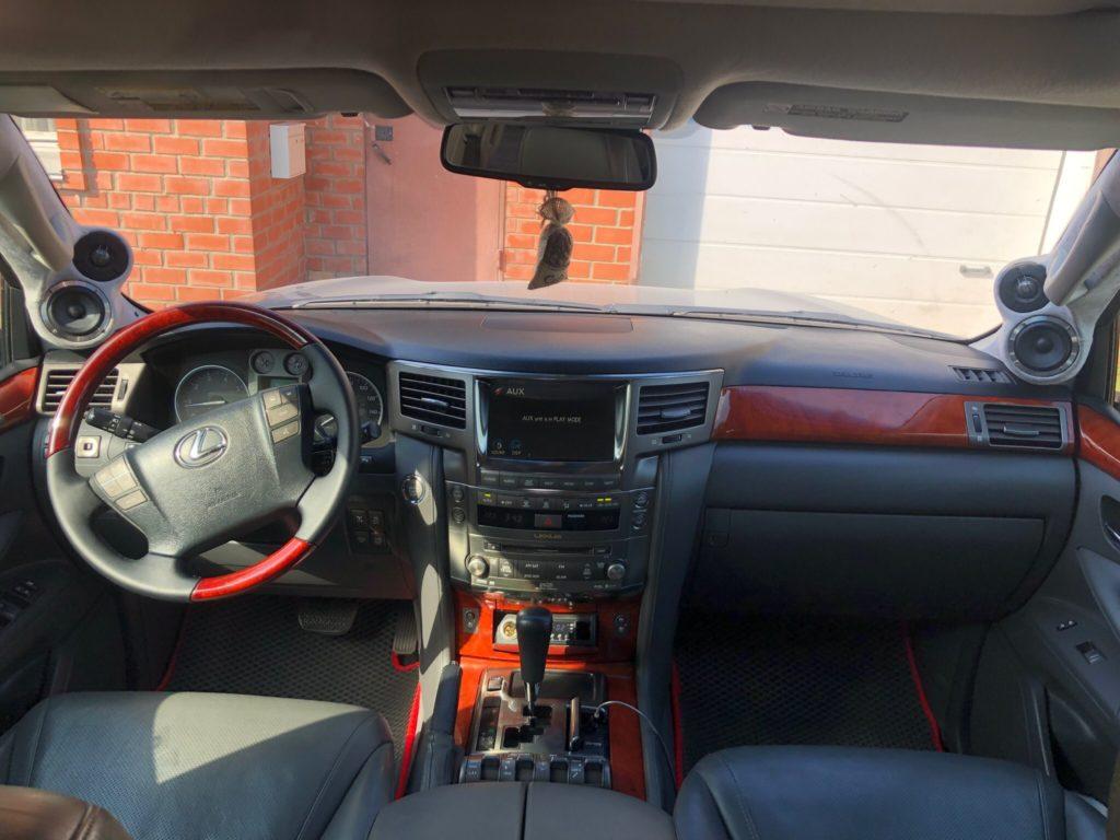 Lexus LX570 магнитола Омск